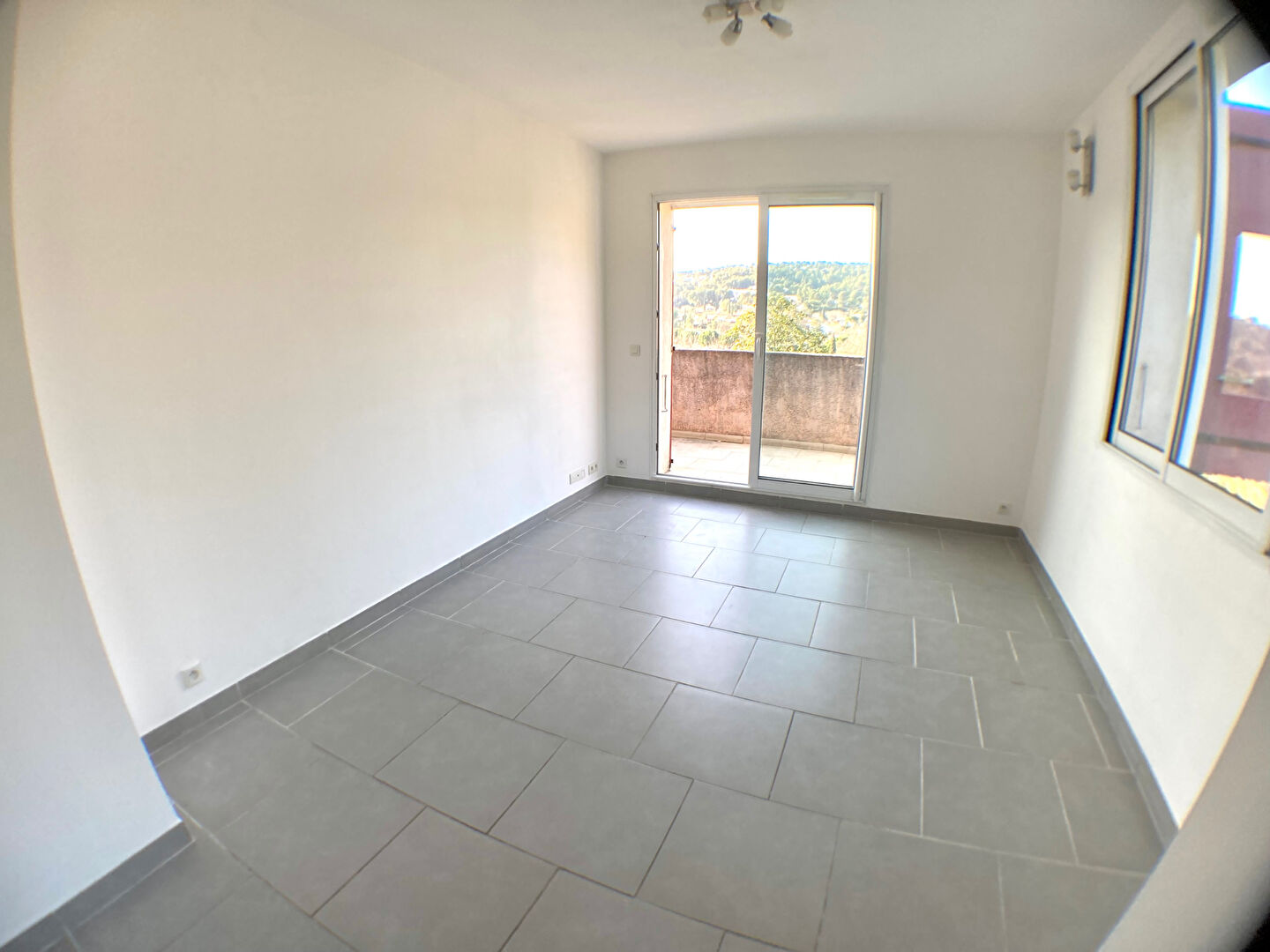 APPARTEMENT T3/4 BOUC BEL AIR 2/8
